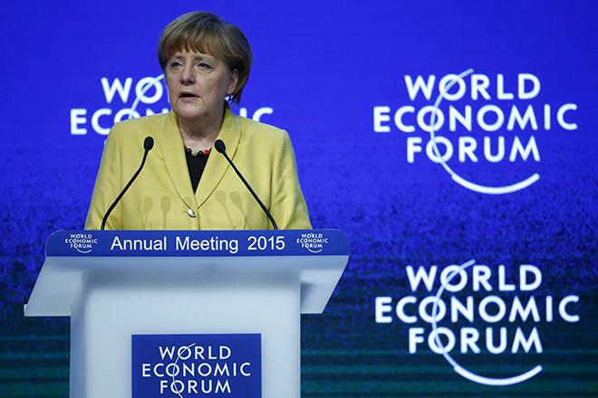 Μέρκελ: Πάγια θέση της Γερμανίας η παραμονή της Ελλάδας στο ευρώ