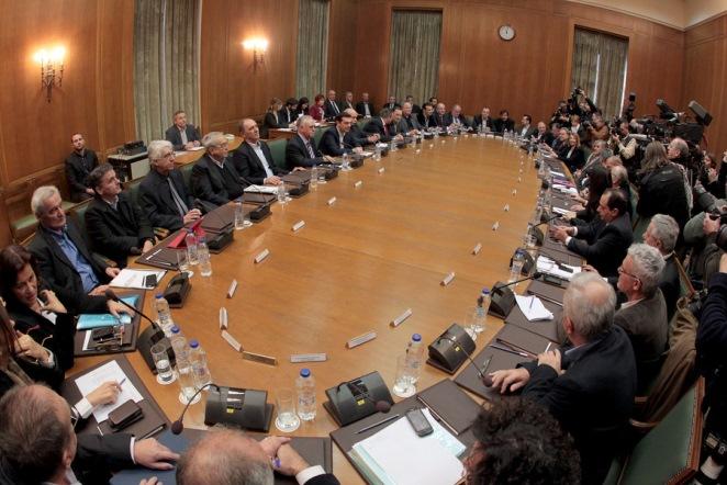Σε εξέλιξη η συνεδρίαση του Πολιτικού Συμβουλίου του ΣΥΡΙΖΑ υπό τον Τσίπρα