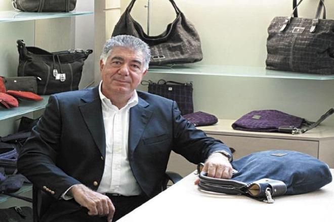 ΚΕΜ: Τριάντα χρόνια «αρχηγός» στις ελληνικές τσάντες