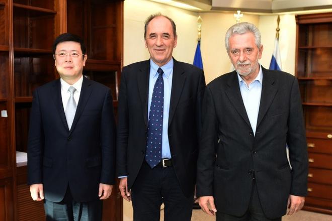 Συνάντηση «κορυφής» του Γιώργου Σταθάκη με τον πρέσβη της Κίνας