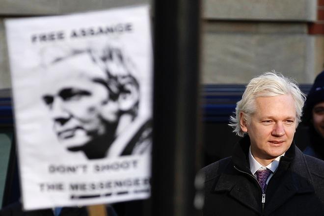 RTR2X5CY wikileaks assange