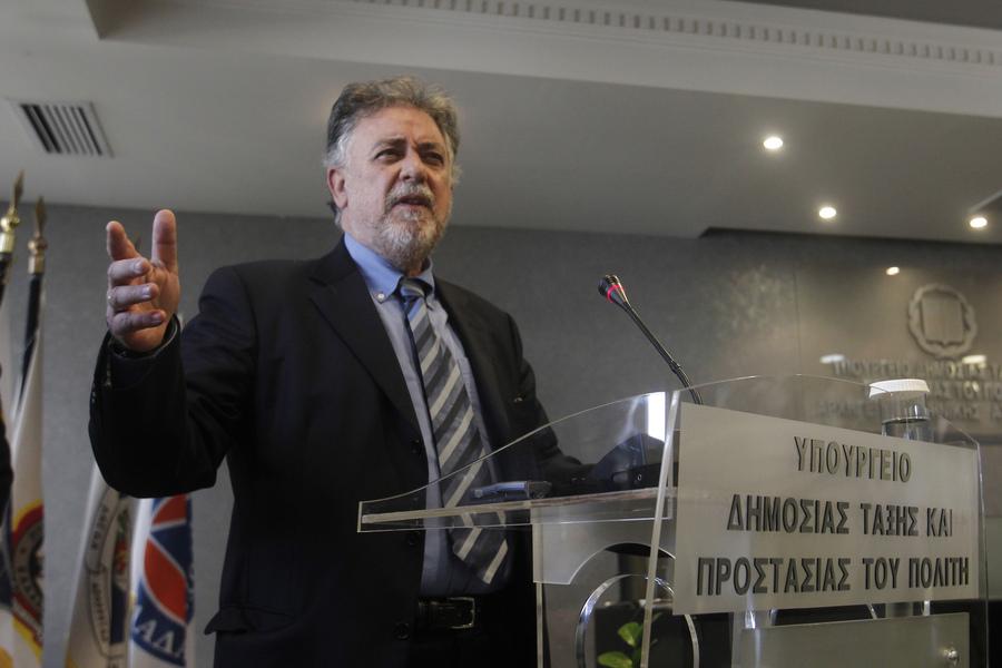Τέρμα τα χημικά στο κέντρο της Αθήνας λέει ο νέος υπουργός Προστασίας του Πολίτη