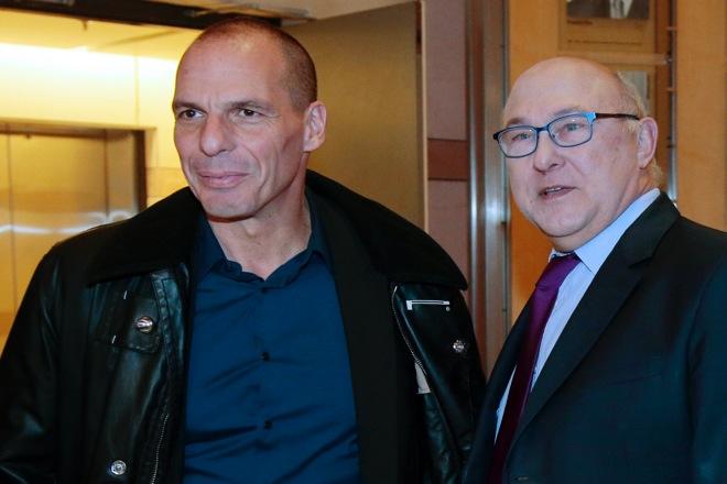 «Η θέση της Ελλάδας είναι στο ευρώ» τόνισε ο Σαπέν μετά τη συνάντηση με Βαρουφάκη