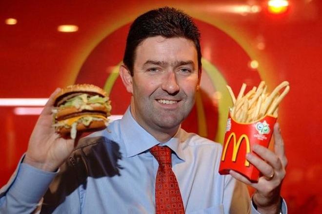 Τα αλλάζει όλα η McDonald's στα καταστήματά της