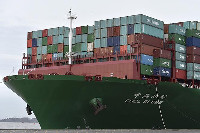 Τα «mega-πλοία» σαρώνουν τους ωκεανούς