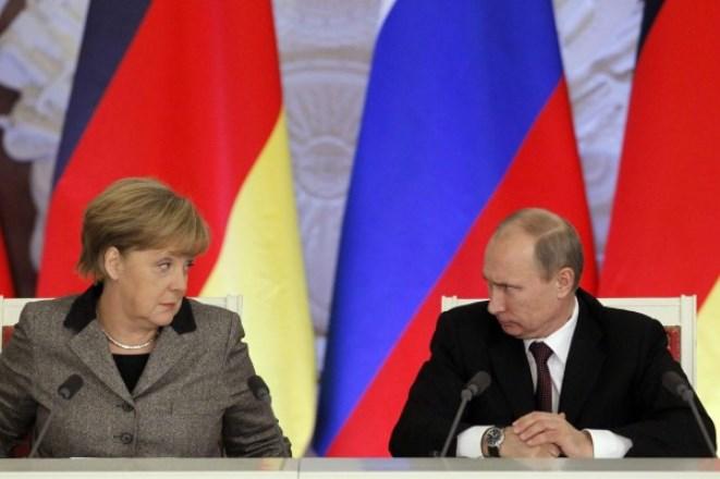 Συνάντηση κορυφής Μέρκελ – Πούτιν στο Σάββατο στη Γερμανία
