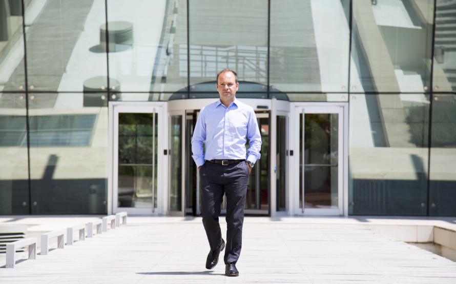 Mάρκος Βερέμης στο Business Monitor:Σοκαριστικό το πόσοι νέοι έχουν φύγει – Κατάρα αλλά και προνόμιο το brain drain για την Ελλάδα