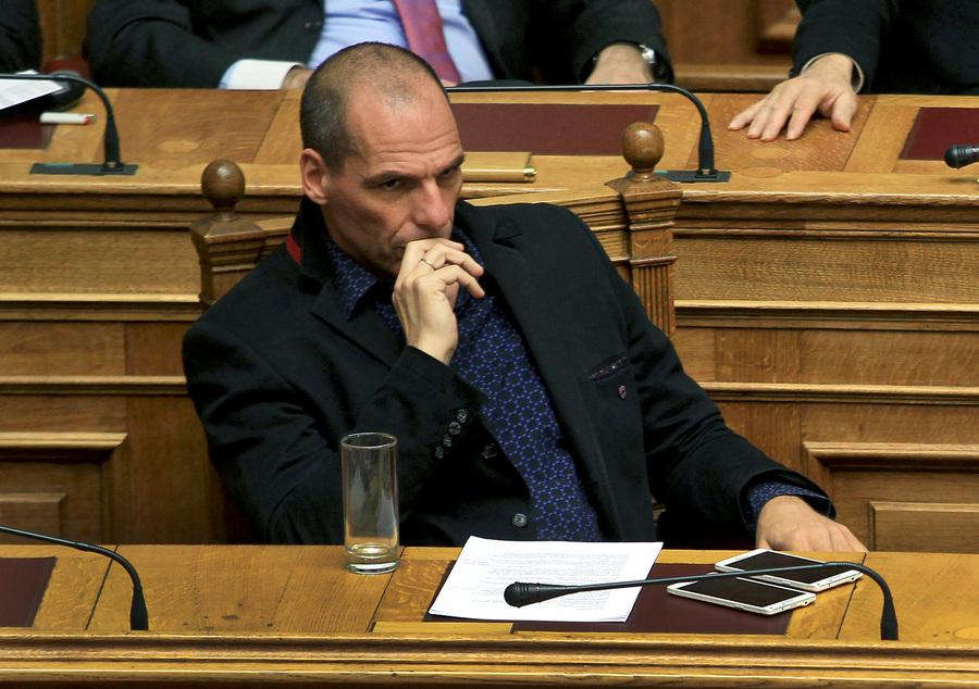 Ο Γιάννης Βαρουφάκης συγκρίνει την Ελλάδα με τους κρατούμενους του Γκουαντάναμο