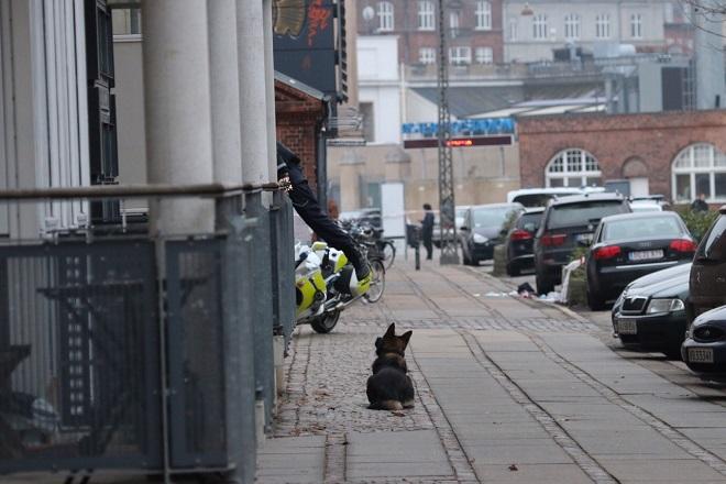 Ένα νεκρός από πυρά σε καφέ στην Κοπεγχάγη