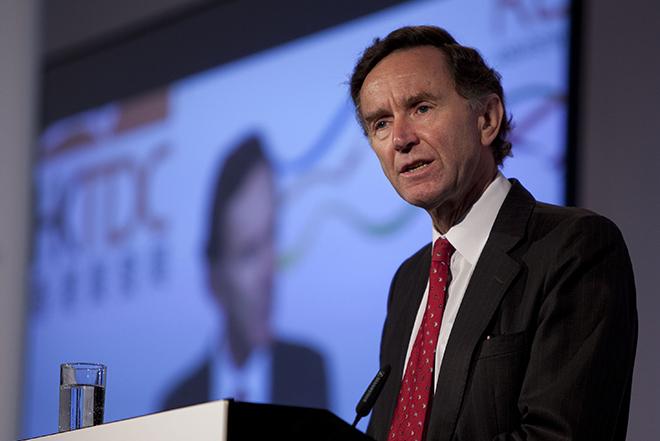 Ο Λόρδος που παραιτήθηκε λόγω του σκανδάλου της HSBC