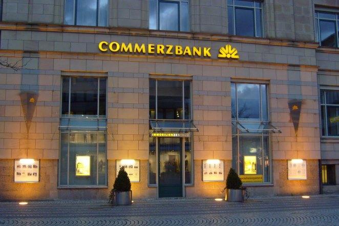 Έφοδος εισαγγελέων στα γραφεία της Commerzbank στη Φρανκφούρτη- Τι ερευνούν