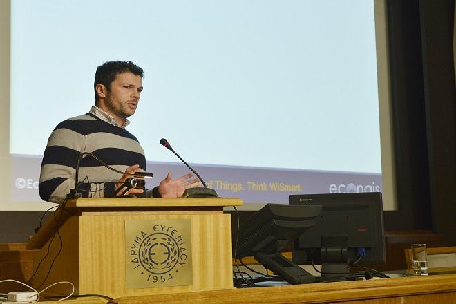 Λεονάρδος, VP Product Management, Econais