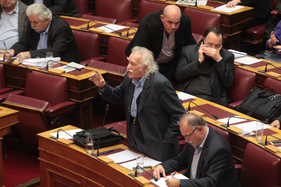 Ο Μανώλης Γλέζος αποκηρύσσει τον συμβιβασμό του ΣΥΡΙΖΑ