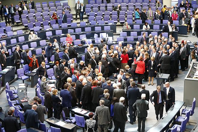 Η γερμανική βουλή είπε «ναι» στην παράταση του ελληνικού προγράμματος