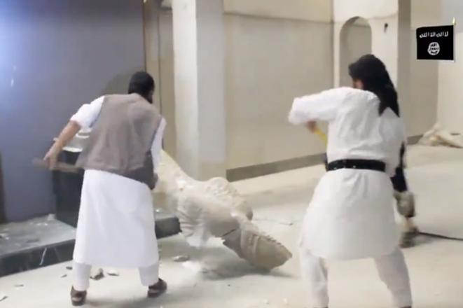 Βίντεο: Τζιχαντιστές καταστρέφουν αγάλματα 3.000 ετών
