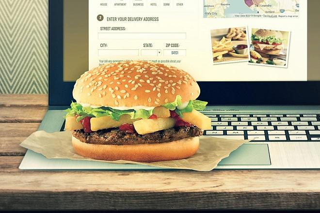 Τέσσερις νέοι τρόποι να παραγγείλετε φαγητό
