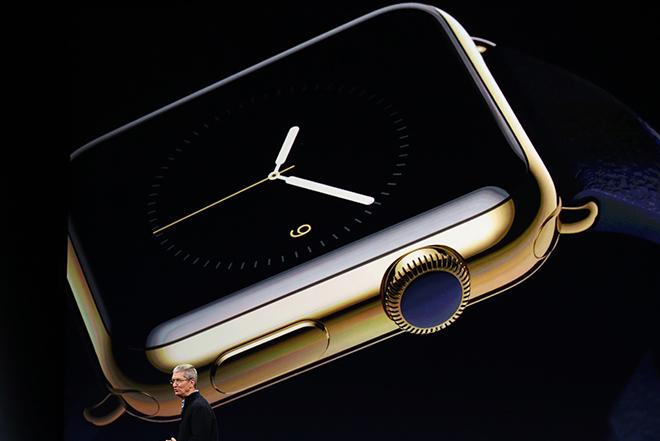 Το Apple Watch κι ένα απίστευτα λεπτό MacBook παρουσίασε η Apple