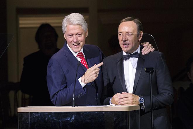 Ο Κέβιν Σπέισι στην «κούρσα» για τον Λευκό Οίκο