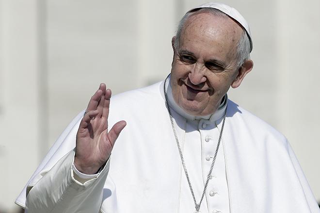 Στη Λέσβο ο Πάπας Φραγκίσκος για τους πρόσφυγες