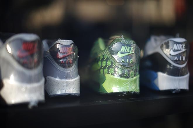 Το ανίσχυρο δολάριο μείωσε τα έσοδα της Nike