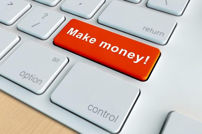 Πέντε τρόποι για να βγάλετε χρήματα όσο είστε online