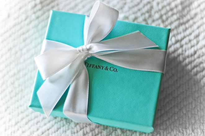 Tiffany True: Νέο δαχτυλίδι αρραβώνων παρουσιάζει η Tiffany μετά από μια δεκαετία