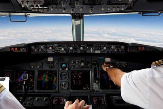 ΕΕ: Εξετάζεται η υποχρεωτική παρουσία δύο προσώπων στα πιλοτήρια