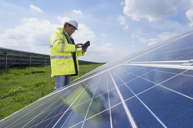 Στάσιμες οι επενδύσεις στις ανανεώσιμες πηγές ενέργειας
