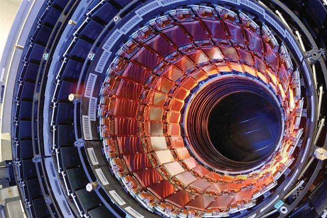 CERN: Ξανά σε λειτουργία ο Μεγάλος Επιταχυντής Αδρονίων
