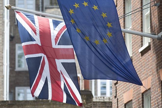Ο οίκος Moody's προειδοποιεί για τις συνέπειες ενδεχόμενου Brexit