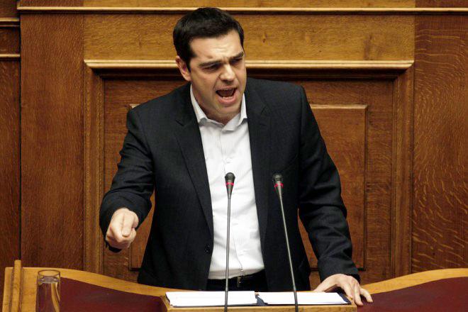 Τσίπρας στους βουλευτές του: Ή πάμε όλοι μαζί σήμερα ή από αύριο τέλος η κυβέρνησης της Αριστεράς