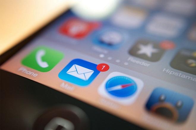 Πώς το να τσεκάρετε τα e-mail μετά τη δουλειά βλάπτει την καριέρα σας