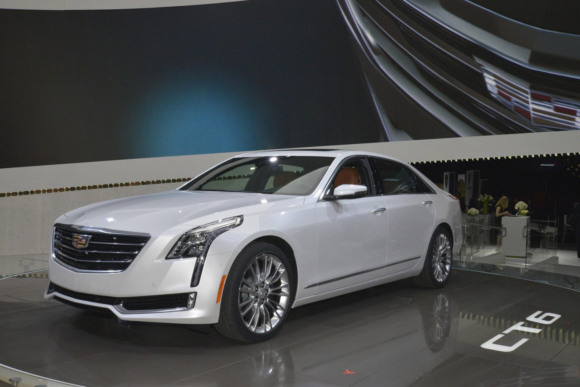 Τέσσερα χρόνια μετά τη μετακόμισή της στη Νέα Υόρκη, η Cadillac επιστρέφει στο Ντιτρόιτ