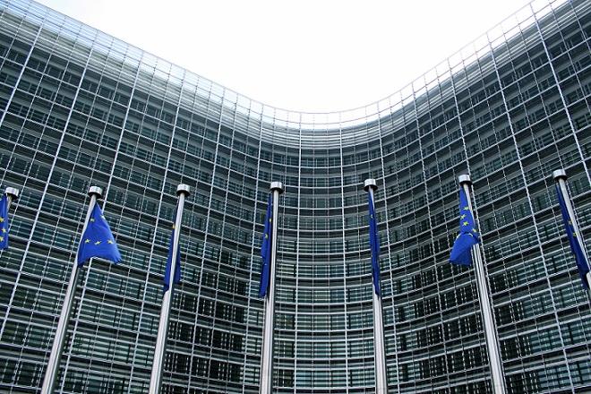 Τί προτείνει η Κομισιόν για την πάταξη της φοροδιαφυγής των μεγάλων εταιρειών