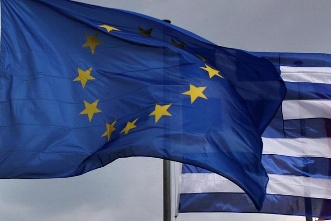 WSJ: Στην περίπτωση της Ελλάδας η Ε.Ε. μπλοφάρει τον εαυτό της