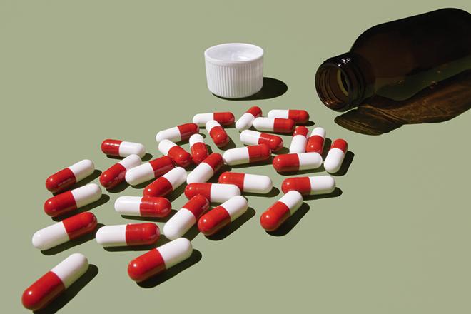 ΠΕΦ: Η κυβέρνηση διαλύει την ελληνική φαρμακοβιομηχανία