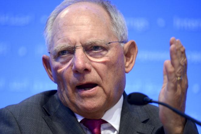 Σόιμπλε: Το ευρώ θα επιβιώσει των γαλλικών εκλογών