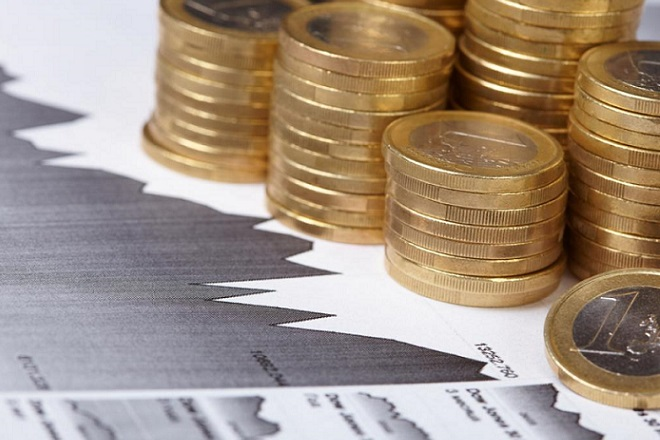 Επιστροφή των επενδυτών και υποχώρηση στις αποδόσεις των ελληνικών ομολόγων