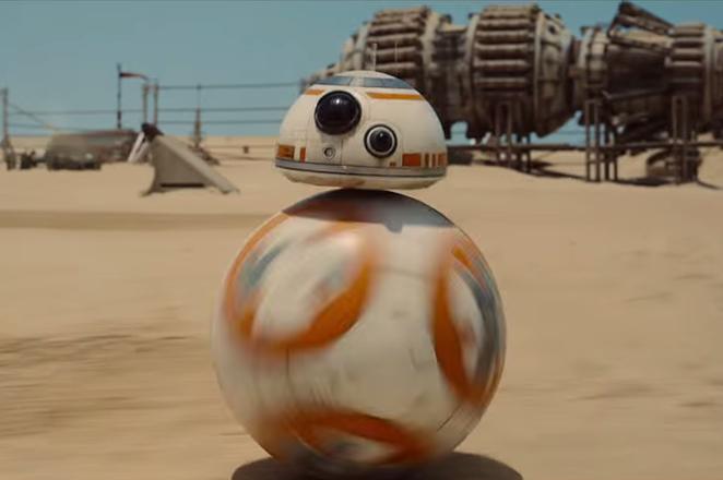 Η πραγματική ιστορία του ρομπότ-έκπληξη των νέων Star Wars