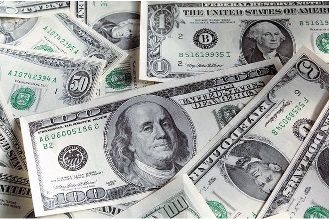 Δυο χρόνια νωρίτερα απ' ότι αναμενόταν θα ξεπεράσει το 1 τρισεκ. δολάρια το έλλειμμα του προϋπολογισμού των ΗΠΑ