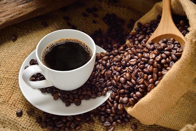 «Τρεις-τέσσερις κούπες καφέ την ημέρα, τον γιατρό τον κάνουν πέρα» λένε Βρετανοί ερευνητές