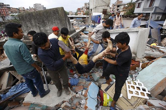 Νεπάλ: Ισχυρός σεισμός μεγέθους 7,9 βαθμών – Περισσότεροι από 1000 οι νεκροί