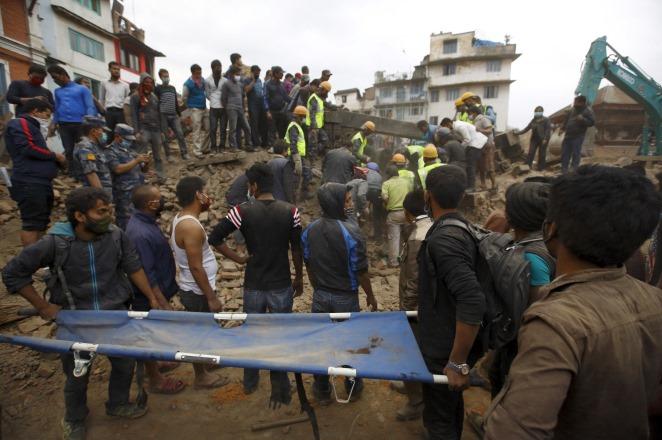 Νεπάλ – Σεισμός: Περισσότεροι από 2.000 οι νεκροί
