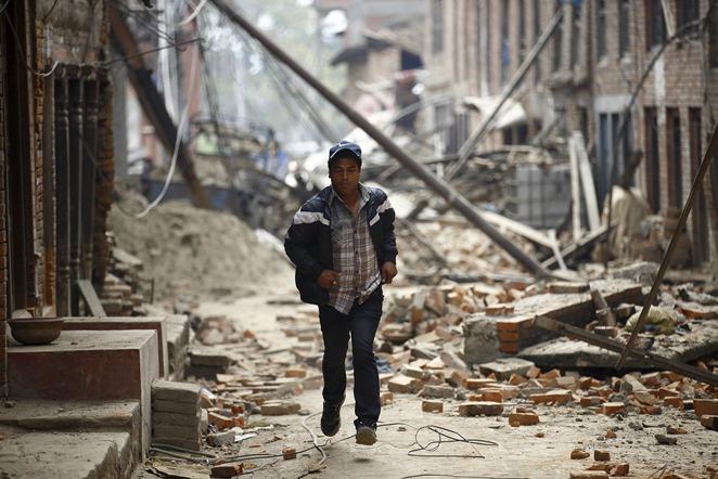 Ισχυροί μετασεισμοί συγκλονίζουν το Νεπάλ