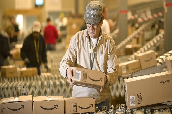 Γιατί η Amazon πληρώνει ώστε οι υπάλληλοι της να παρακολουθούν μαθήματα… νοσηλευτικής;