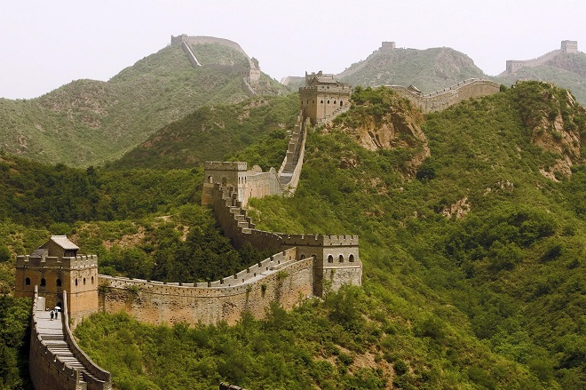 «Πρασίνισε» το Σινικό Τείχος