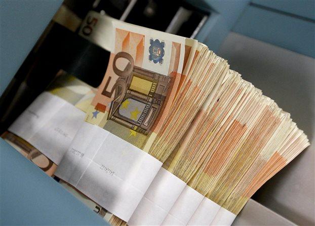 Το ελληνικό δημόσιο άντλησε σχεδόν 3 δισ. ευρώ