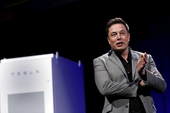 Η νέα μπαταρία της Tesla πουλάει με τρελούς ρυθμούς