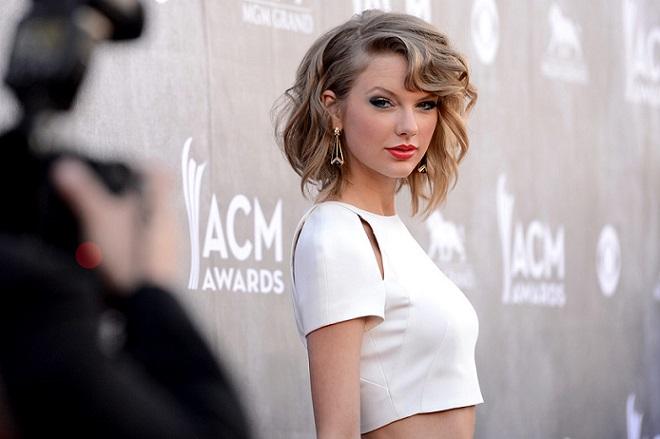 Πώς η Taylor Swift πρόδωσε το μυστικό της Apple