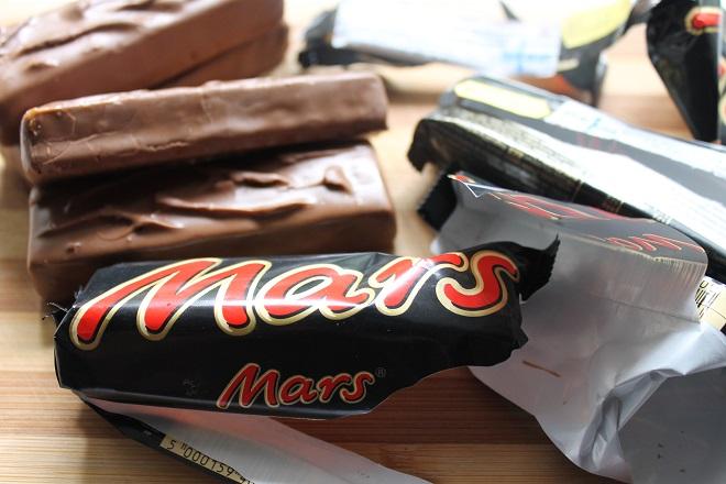 Γιατί η Mars τα «βάζει» με τη σοκολατοβιομηχανία;